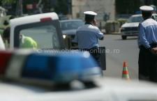 Nereguli depistate de poliţişti în urma acţiunilor de verificare a legalităţii transportului de mărfuri şi de persoane