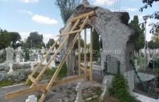 A început restaurarea Portalului din Cimitirul Central