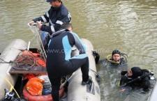 Tragedie pe Borcea / Un mal de pământ a căzut peste doi pescari, scafandrii încă nu au găsit victimele