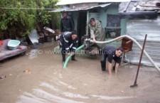 Dragalina/Pompierii au scos apa din 30 de gospodării afectate de inundaţii