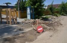 Primarul Drăgulin a chemat la discuţii firmele care lucrează la sistemul de apă şi canalizare, fiind nemulţumit de modul în care acestea îşi fac treaba