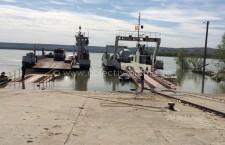 Deși Dunărea este scăzută, feribotul de la Călărași circulă și costă doar 18 lei pentru autoturisme