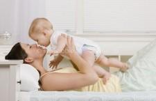 Noi reguli privind acordarea indemnizației lunare pentru creșterea copiilor