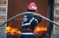 Intervenţie la incendiu de anexă gospodărească în municipiul Călăraşi, pe strada Năvodari