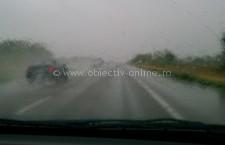 Poliția vă recomandă:Conduceți prudent pe timp ploios!