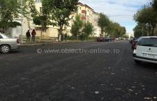 Călărași/Strada Belșugului, asfaltată în totalitate. Au început lucrările și la trotuare