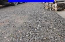 Patru bărbați din Fundulea au furat câteva tone de piatră din terasamentul căii ferate
