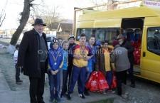 Moş Crăciun în vizită la şcolile şi grădiniţele comunei Jegălia