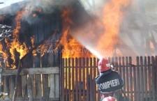 Intervenţie la incendiu de locuinţă în localitatea Mitreni, pe strada Zambilei