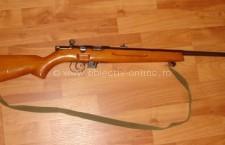 Tânăr din Vâlcelele, cercetat de poliţişti pentru deținerea unei arme de contrabandă