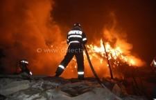 Incendiu provocat de joaca unui copil în comuna Vasilați