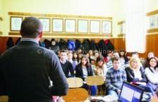 """Ministerul Educaţiei a lansat în dezbatere publică """"Opţiunile de educaţie şi formare profesională ale absolvenţilor de clasa a VIII-a"""""""