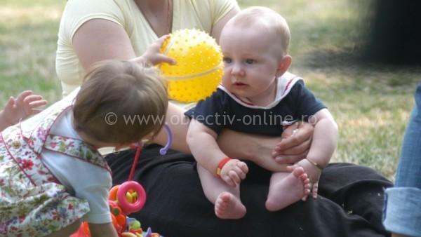 De la 1 iulie se vor plăti indemnizațiile majorate pentru mame
