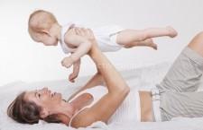 De la 1 iulie se majorează indemnizația pentru creșterea copilului