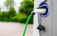 Primăriile și instituțiile publice pot cere fonduri pentru finanţarea reţelei de alimentare a maşinilor electrice