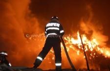 O femeie de 76 de ani a ars în propria casă
