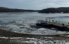 Pompierii călărăşeni au venit din nou în sprijinul unui echipaj ucrainean îmbarcat pe o navă blocată între gheţuri pe braţul Bala