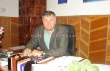 """Aurel Vasile: """"Eu nu am venit la primărie pentru salariu şi nu mi-e ruşine să fac drumuri şi să deschid uşile ministerelor din Bucureşti pentru a aduce bani în comună"""""""