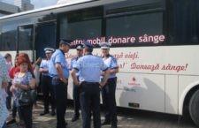 """Polițiștii călărășeni au donat sânge în cadrul campaniei desfășurată de Crucea Roșie – """"N-avem sânge!"""""""
