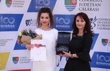 """Trofeul """"Flori de Mai"""" a fost câştigat de Ana Maria Roşu, din Roman, judeţul Neamţ"""