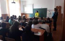 Acţiune de promovare a responabilităţii deţinătorilor de câini, în şcolile din municipiu