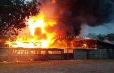 Incendiu violent | O gospodărie a ars în totalitate astăzi în comuna Dragoș Vodă