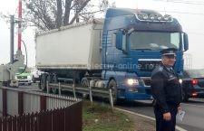 110 sancțiuni în valoare de 275.765 au fost date de polițiști șoferilor care nu au respectat indicațiile la trecerile de cale ferată