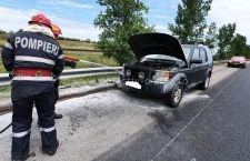 Un autoturism a luat foc în mers pe Autostrada Soarelui