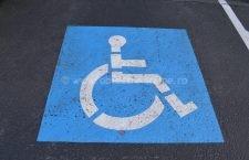 Amenzi de până la 10.000 lei pentru ocuparea abuzivă a locurilor de parcare rezervate persoanelor cu handicap