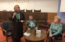 """Editorialistul ziarului Obiectiv, Răzvan Ciucă,a lansat cartea """"Între oglinzi şi amintiri"""""""