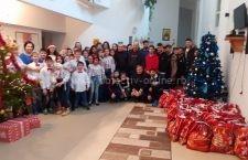 Primarul comunei Modelu a împărțit daruri copiilor de la SERA