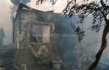 Casă distrusă de incendiu în comuna Frumușani